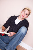 Students: Student Taking a Break From Reading — Stock Photo