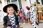 Halloween: Cute Girl Halloween Witch — Foto de Stock
