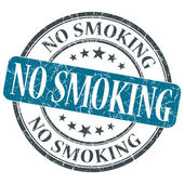 No smoking blue round grungy stamp isolated on white background — Stock Photo