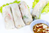 Vietnamese rice paper rolls with prawns — Stock Photo