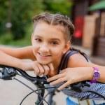 Teenage girl on bike trip — Stock Photo #29323945