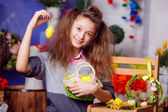 Teen girl with easter eggs — Stock Photo