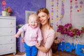 Gelukkig moeder met haar zoon — Stockfoto