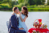 Newlyweds going out on the lake — Stock Photo