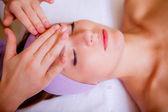 Girl receives cosmetic treatments — Foto de Stock