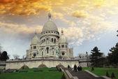 Bazilika nejsvětějšího srdce s jeho schodiště. — Stock fotografie