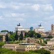 Panorama of Rome and in the background the Altar of the Fatherla — Stock Photo