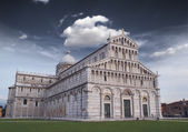 Detail of the Cathedral of Pisa with beautifull sky — Stock Photo