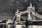 London Bridge by night — Stockfoto