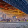 Brooklyn Bridge and Manhattan skyline — Stock Photo