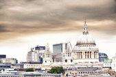 St. paul katedrali ile güzel gök. — Stok fotoğraf