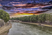 The Tiber river in Rome — Stock Photo