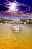 The boat on the Seine — Stockfoto