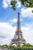 Piękny widok na wieżę eiffla — Zdjęcie stockowe