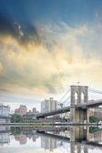 Brooklyn bridge z piękne niebo — Zdjęcie stockowe