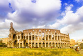 The colosseum with beautiful sky — Stock Photo