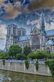 Wonderful sky on Notre Dame Cathedral, Paris — Stockfoto
