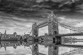 London bridge i solnedgången — Stockfoto
