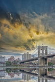 Brooklyn Bridge with beautiful sky — Stock Photo