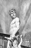 The Neptune statue in piazza della signoria in Florence — Stock Photo