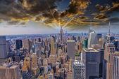 Belle vue des toits de la ville de new york — Photo