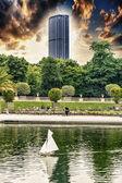 Montparnasse tower view from Luxemburg's gardens — Stock Photo
