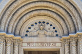 Closeup of the Entrance of Saints Peter and Paul Church in San F — Stock Photo