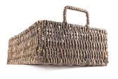 коричневый плетеная корзина изолированные — Стоковое фото