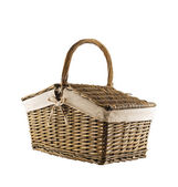 Picnic basket hamper isolated — Stock Photo