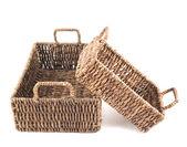 Duas cestas de vime marrom isoladas — Foto Stock