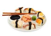 Sushi con salsa de soja en un plato — Foto de Stock