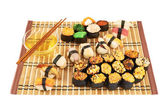 Nigirizushi a pečené suši složení — Stock fotografie