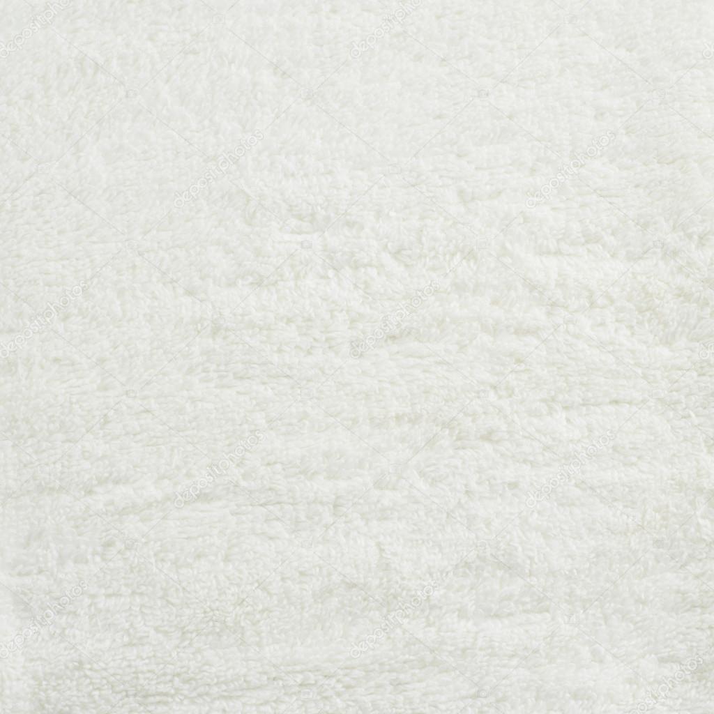 Белый ковер