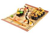握り寿司と焼き寿司組成 — ストック写真