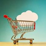 Cloud shape inside shopping cart — 图库照片