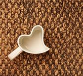 Kalp şeklinde kupası — Stok fotoğraf