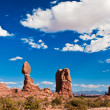 Balanced Rock in Arches National Park, Utah — Stock Photo #24407889