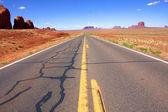 Desert Road in Monument Valley, Utah — Stock Photo