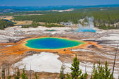 Primavera prismatico gran famoso mondo nel parco nazionale di yellowstone — Foto Stock