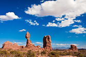 Balanced Rock in Arches National Park, Utah — Stock Photo