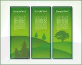 Satz von drei vertikale banner mit hügeln und bäumen in grün mit platz für ihre benutzerdefinierten text — Stockvektor