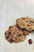 Fresh baked homemade oatmeal raisin cookies — Stock Photo