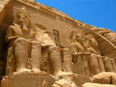 Abu Simbel Temple of King Ramses II, a masterpiece of pharaonic arts and buildings in Old Egypt — Stock Photo