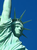 New York: The Statue of Liberty, an American symbol. Liberty Island, New York City, USA — Stock Photo