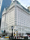 NEW YORK - DECEMBER 3: Legendary Plaza hotel on 5th Avenue, New — Stock Photo