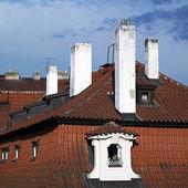 Techos y chimeneas de casco antiguo — Foto de Stock