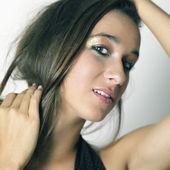 Beautiful girl posing for the camera — Stock Photo