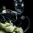 Vodka and black caviar — 图库照片