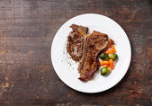 Grilled T-Bone Steak — 图库照片