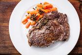 Steak de bœuf grillé — Photo